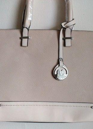 Kupuj mé předměty na #vinted http://www.vinted.cz/damske-tasky-a-batohy/kabelky/11382271-nova-nude-kabelka-do-ruky-nebo-jako-crossbody