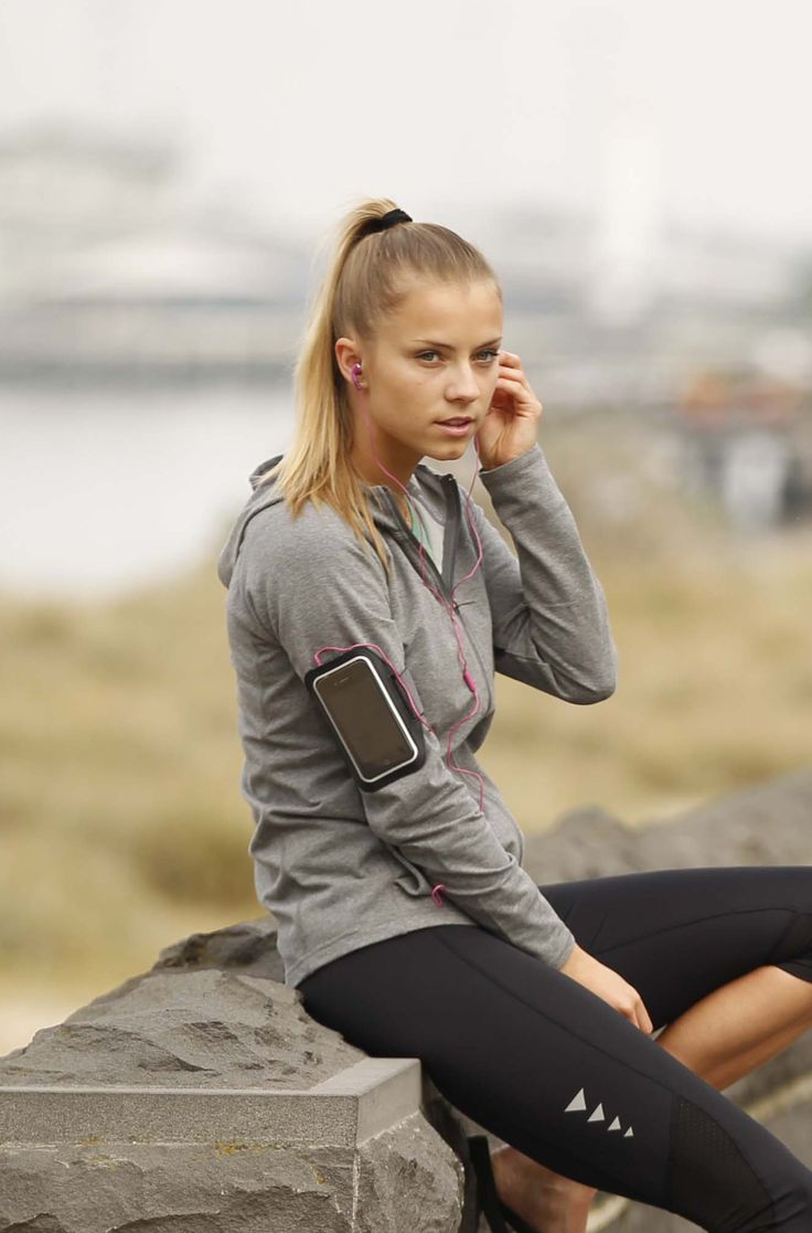 The gecko sports armband is a super slim, super cool and super comfortable sports armband for iPhone 6