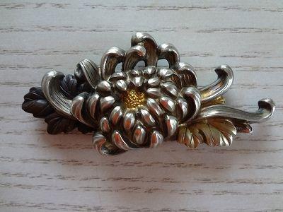 イメージ0 - 菊の彫金の帯留めの画像 - アンティーク着物ノート - Yahoo!ブログ
