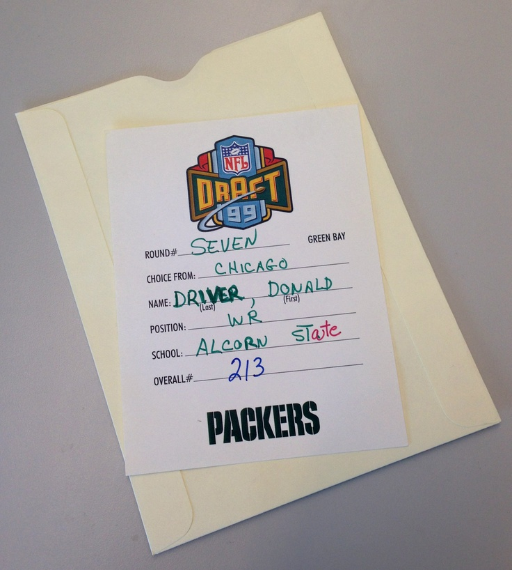 The card handed to @NFL Official's to announce the #Packers selection of WR Donald Driver in the 199 #NFL Draft. Click on image for complete history of the Green Bay Packers.