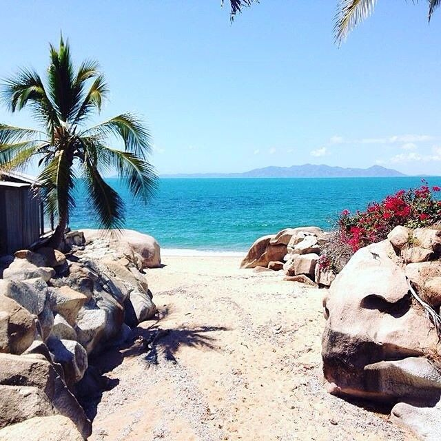 Thanks to @hostelworld for featuring @basemagneticbar  in their article celebrating some of the most unbelievable hostels in exotic locations. Woo! Head over to our Facebook page to check it out. Photo: @vazzablax  #xbase @magneticisland @magneticislandtourism @townsville_australia @townsvillenorthqueensland @sealinkqld @tropicalnorthqueensland @queensland @australia #thisisqueensland #seeaustralia #ttnq #magneticisland #australia #travel #hostel #instalove #amazing #paradise #wanderlust…