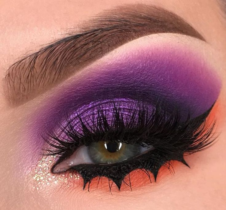 Define tu mirada con trazos muy originales y divertidos, ¡te sorprenderá todo lo que puedes hacer con eyeliners y sombras! Day Makeup, Girls Makeup, Makeup Looks, Makeup Tips, Exotic Makeup, Unique Makeup, Makeup On Fleek, Eyebrow Makeup, Beauty P