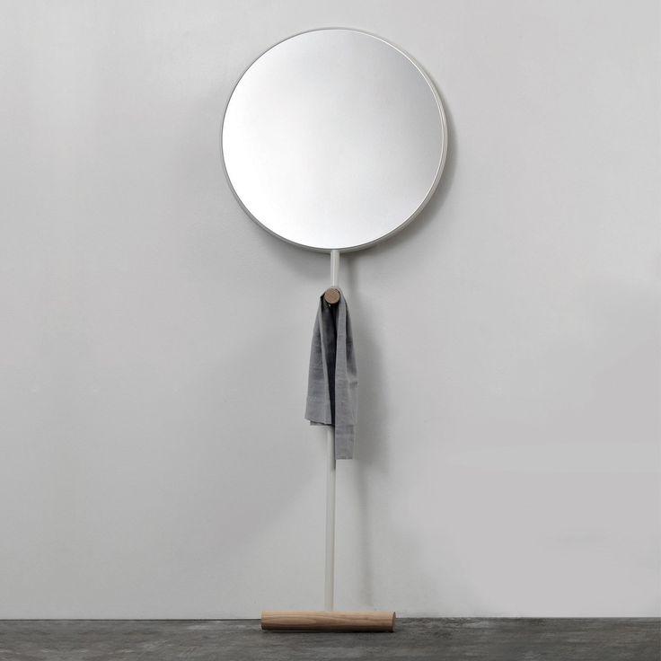 Les 17 meilleures id es de la cat gorie miroir de plancher for Miroir sur pied ikea