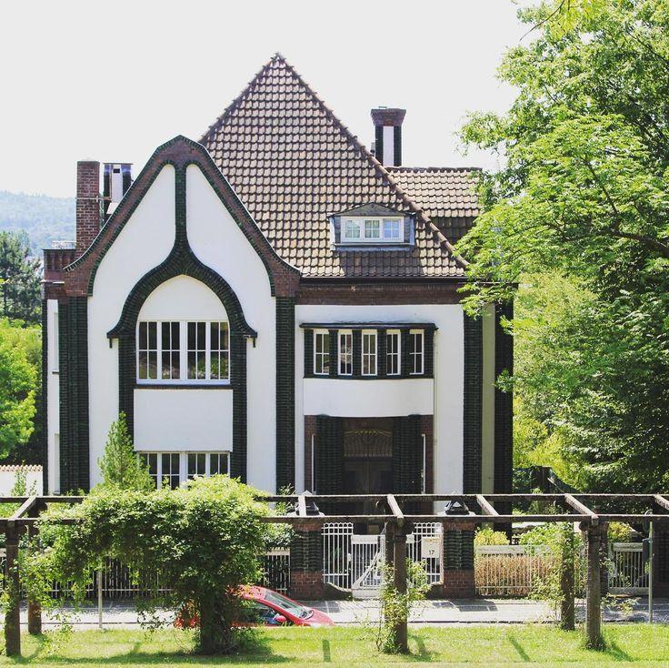 Jugendstil in Darmstadt  . . . #darmstadt #visitgermany #jugendstil #modernism #secession #artistcolony #travelcommunity #travel_drops #travelblogger #timeoutsociety #welivetoexplore #teamwanderlust #beautifuldestinations #wonderful_places #exceptional_pictures