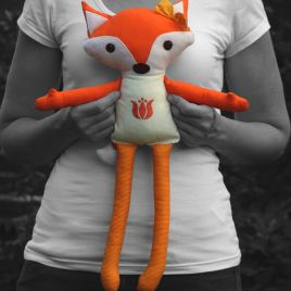 Foxgirl with hungarian embroidery