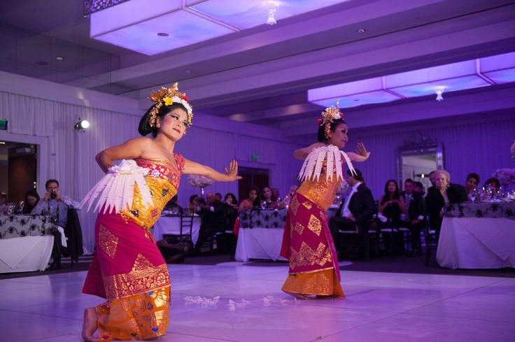 Infuse your own heritage and some culture to your glam wedding! Balinese blessing dance