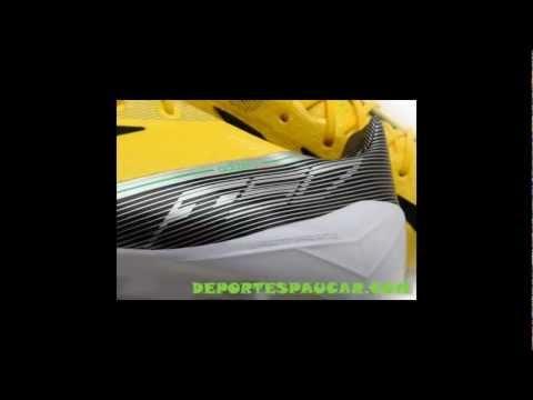 Os ofrecemos las nuevas botas de futbol  de Lionel Messi 2013 las Adidas F50 AdiZero TRX FG en tonos de color Amarillo/ Negro.  Estas botas las utilizo por 1 vez en el partido de champion league contra el celtic de glasgow.  Las botas de messi 2013  Adidas F50 AdiZero TRX FG, ya son muy aclamadas por sus seguidores, en nuestra tienda online deportespaucar.com , las tenemos a la venta.  http://www.deportespaucar.com/importados/2660-botas-adizero-f50-trx-fg-piel-amarrilla-negra.html