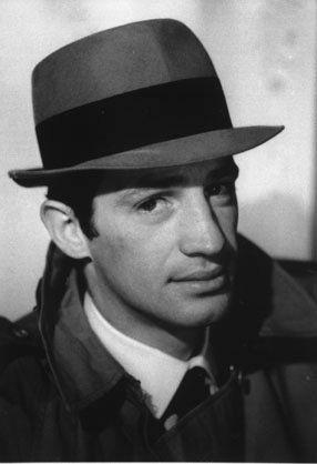 """Jean-Paul Belmondo pour le film """"Le doulos"""" de Jean-Pierre Melville en 1963"""
