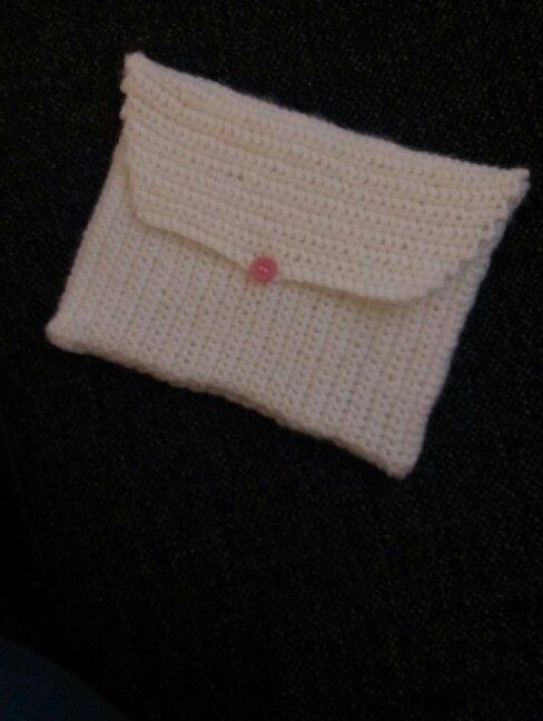 Ipad case, crochet, white yarn - by Kamilla med K