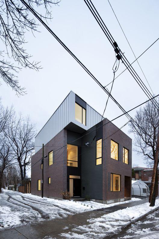 Duplex Coleraine / NatureHumaine (Coleraine St, Montreal, QC H3K, Canadá) #