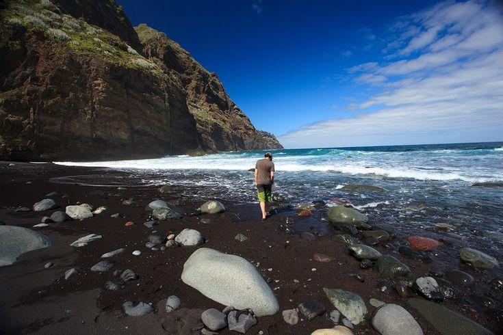 Lors de notre voyage à Tenerife en mars 2016, nous avons passé deux jours dans les montagnes de l'Anaga, qui ne nous ont pas laissé indifférents. Deux jours, deux belles randonnées. Ce coin d…