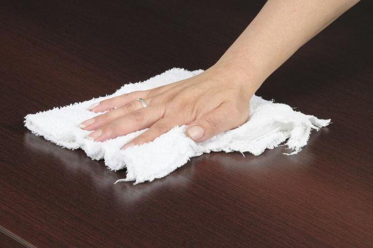 formas de usar suavizante de ropa para limpiar la casa 3