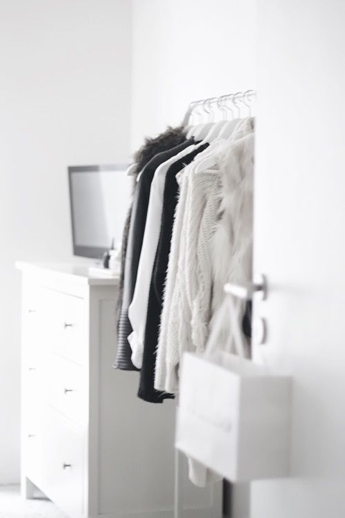 Clean Modern Closet Waredrobe