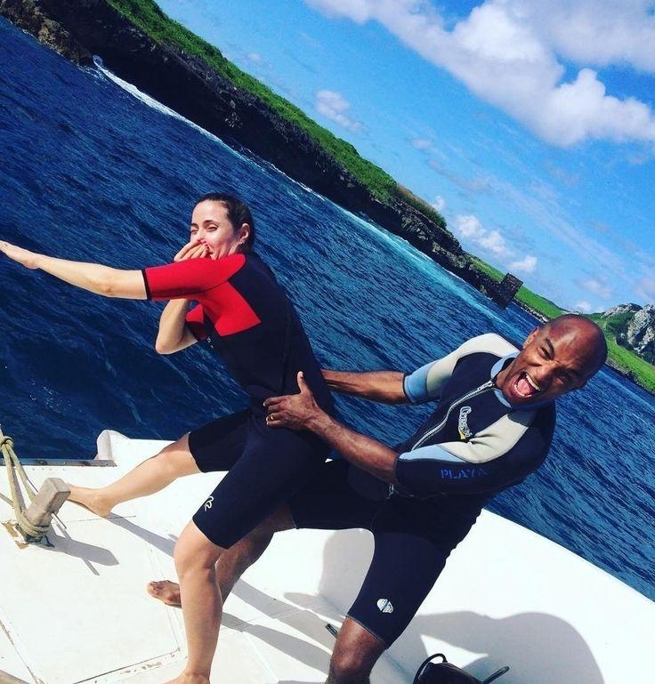 """""""Vamos mergulhar  de cilindro!!! Calma Amore mio faltam os equipamentos de mergulho."""" @fvanoliveira e @rodneypersonaltrainer"""