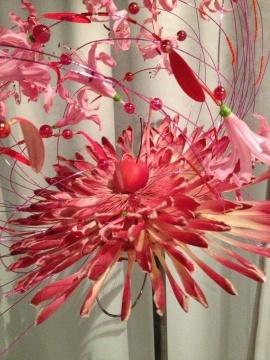 Turid Lien        Blomsterdekoratører i Oslo viser brudebuketter