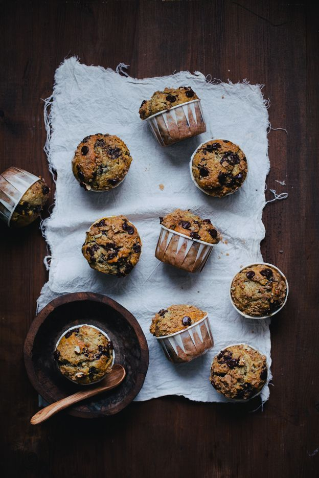 MUFFINS DE PLATANO Y CHOCOLATE (banana chocolate chip muffins with brown sugar pecan streusel)