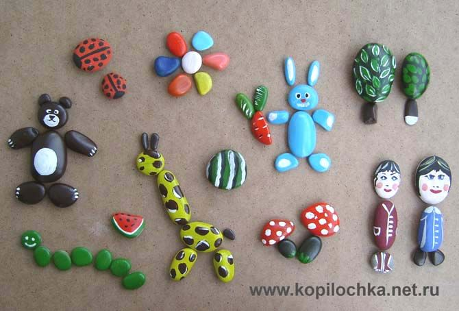kokokoKIDS: Painted Rocks.  Many different and beautiful ideas for painting on rocks