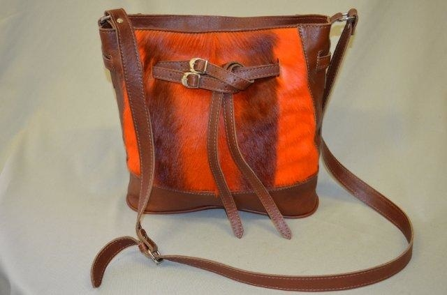 Orange Catherine ...so Summery, you can even take it to the pool carrying all the Summer gadgets and objects we women so love to carry...