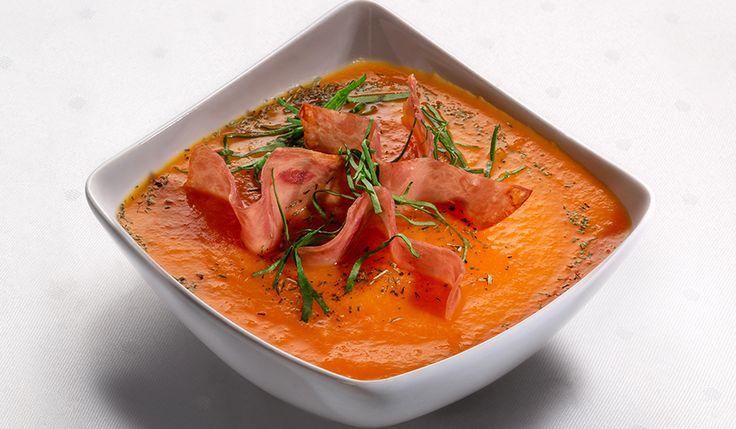 Supă cremă de morcovi și Sissi șuncă de porc crunchy