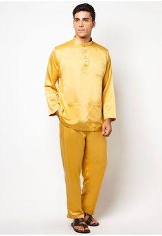 Traditional Baju Melayu from Gene Martino in yellow_1
