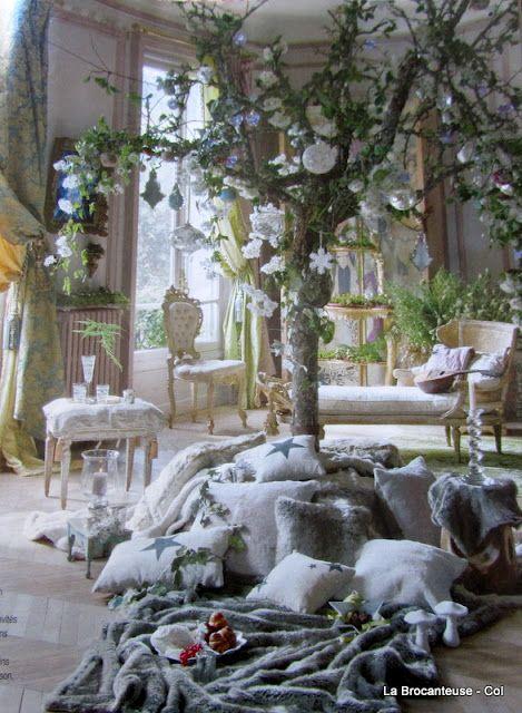 <3 Lolita Lempicka - cozy sophistication