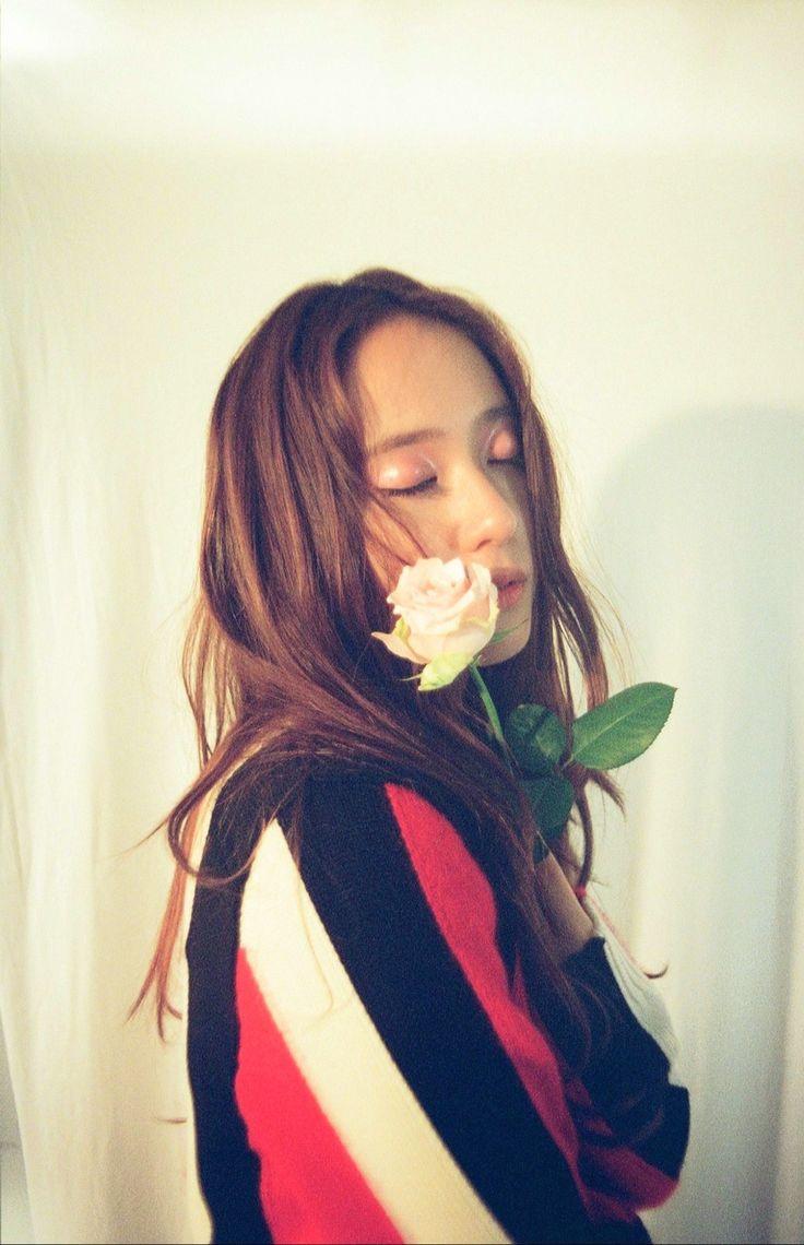 Krystal Jung #krystal #jung #fx #kpop #sm #smentertainment #flower #pink #pinkflower