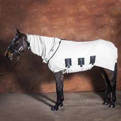 Fly protection for horses. Fly blankets and rugs from Snuggy Hoods. #flyrugs