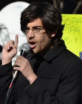 "Meet the extraordinary computer programmer, author, and internet activist who became famous for his fight against the ""Stop Online Piracy Act"", Aaron Swartz. A genius and prodigy like no other, Aaron greatly contributed to the development of many of the things that we enjoy today in the online world such as the RSS, Reddit, Jottit and others. ""The people rose up, and they caused a sea change.."" Aaron Swartz http://www.thextraordinary.org/aaron-swartz"