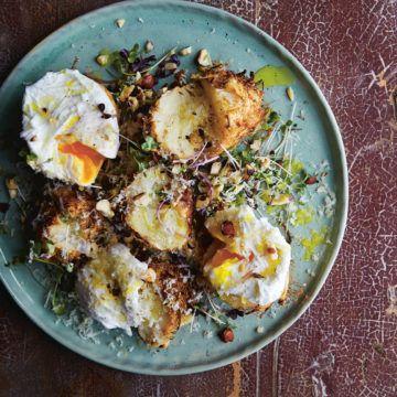 Långbakad rotselleri med pocherat ägg | tasteline