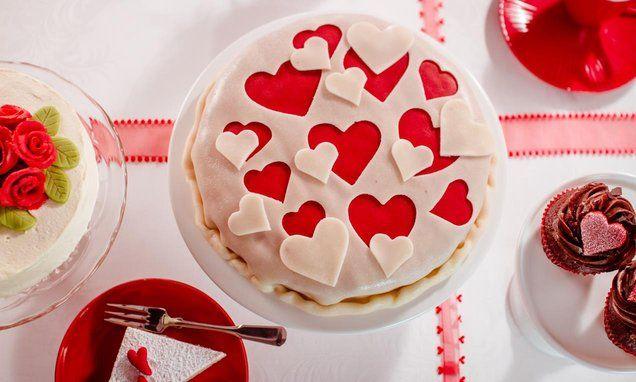 Herzlicher Kuchen  -  Ein schneller Kuchen mit wunderschöner Marzipan-Dekoration zum Valentinstag oder Muttertag
