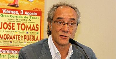 Salvador Boix, apoderado de José Tomás, confirma que el diestro sólo tendrá tres corridas esta temporada http://bit.ly/PxAOKY