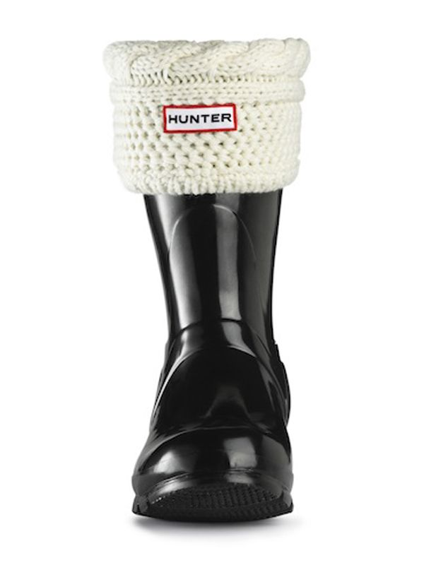Love the simple and cute design of the cable knit socks for my Hunters! Short Moss Cable Cuff Welly Socks | Hunter Boot Ltd