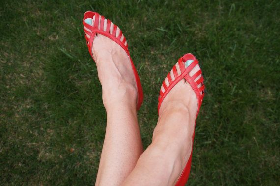 80s vintage Mesh cuoio rosso Peeptoes/Made in Italy di Inhabituel