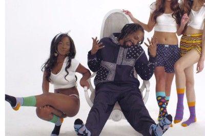 Après la fumette, Snoop Dogg se met à la chaussette