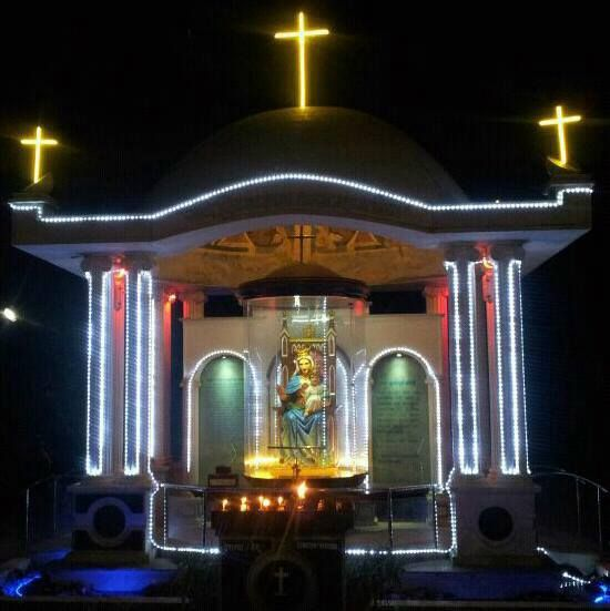 Statue of Mother Mary and Infant Jesus at Our Lady of Remedy Church, Remedy. Vasai West.  Courtesy: Akash Bharat Shah(2013)