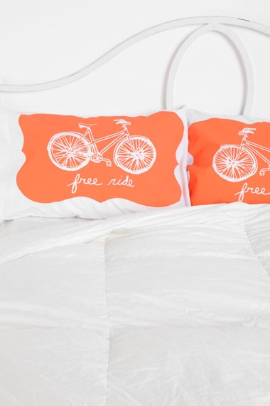 Bikes :)Bikes Lovin, Pallets Bikes, Bikes Racks, Bicycles Pillows, Daughters Room, Bikes Pillows, Free Riding, Bedrooms Decor, Diy Pillows