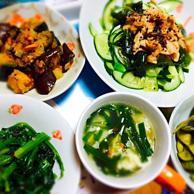 もう8月ですね★ 今日のご飯は緑が多くなってました - 7件のもぐもぐ - 肉サラダ、茄子とカボチャのマリネ、ニラ玉スープ、つる紫ナムル、枝豆 by akarizumu