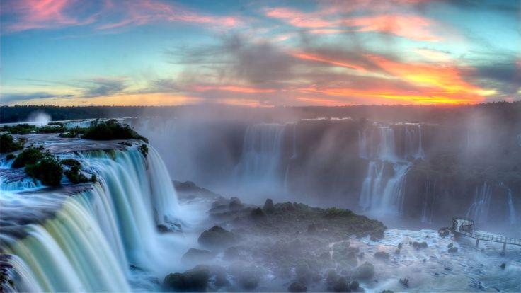 ¿Ya estás pensando en alguna escapada para Semana Santa? Te sugerimos estos paquetes para visitar las imponentes Cataratas del Iguazú, declaradas Patrimonio de la Humanidad y más recientemente una de las Siete Maravillas Naturales del Mundo. Podés salir desde varias ciudades de Argentina. A continuación te dejamos algunos de nuestras sugerencias para tu viaje.