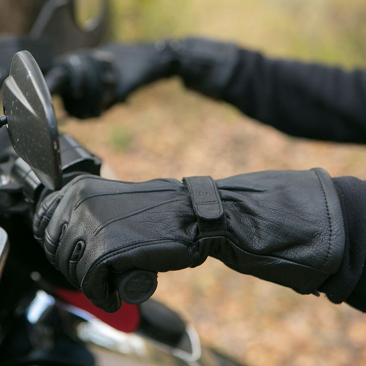 Simple and clean gloves that get the jobs done in warmer climates.