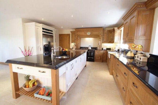 Oak bespoke kitchen in a timeless in-frame shaker style.