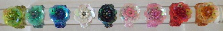 Bague fantaisie fleur tissée perles enfant sequin élastique fée princesse écrin