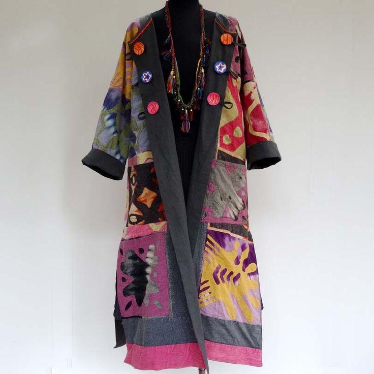 Manteau femme en patchwork de coton, découpé et surpiqué, motifs abstraits gris , rose et multicolore