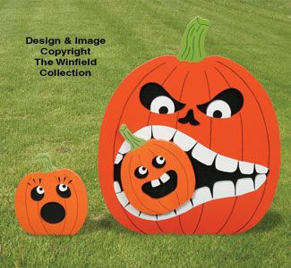 Hungry Pumpkin #2 Pattern What a fun display for Halloween!  Our Hungry Pumpkin loves to get his choppers around little Pumpkins...what a bully! #diy #woodcraftpatterns