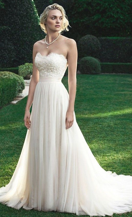 Strapless Beach Wedding Dress by Casablanca Bridal 2016 / http://www.deerpearlflowers.com/beach-wedding-dresses-with-gorgeous-details/2/