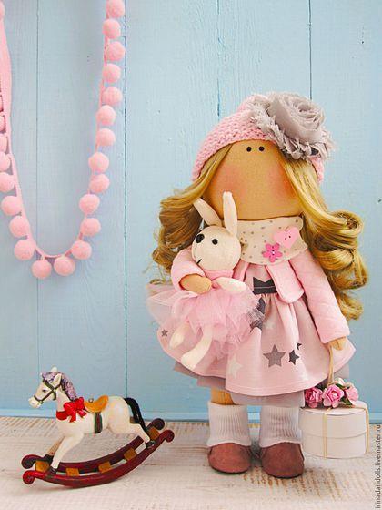 Fabric doll / Куклы тыквоголовки ручной работы. Ярмарка Мастеров - ручная работа. Купить Розовая девочка с тортиком. Handmade. Бледно-розовый, торт