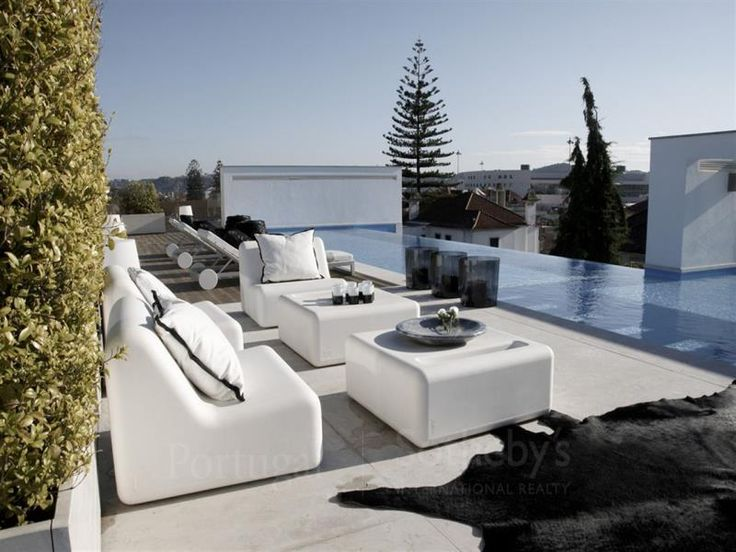 http://www.sothebysrealtypt.com/imoveis/apartamento-6-quartos-lisboa-santa-maria-de-belem_pt_9394