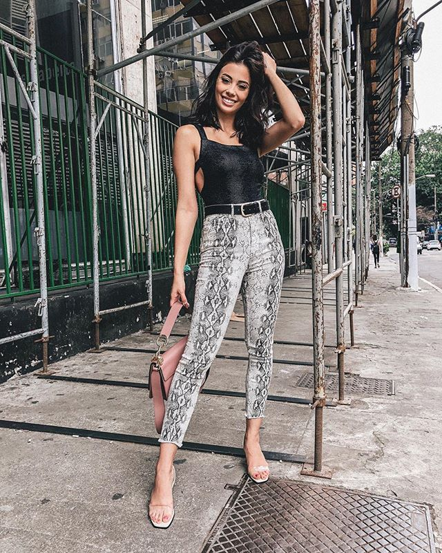 "9568eff6ca3a THALITA FERRAZ on Instagram: ""Share your smile with the world ✨ # hellothalita @liketoknow.it #liketkit #LTKbrasil http://liketk.it/2zcWq -  Compartilhe o ..."