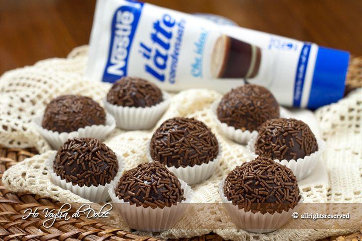 Brigadeiro al cioccolato, ricetta golosa, veloce, con latte condensato e cioccolato fondente. Pratici, ideali per feste, da regalare, occasioni speciali.