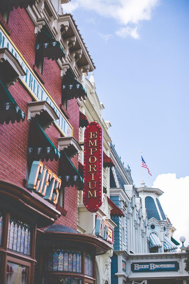 Conseils et astuces pour un séjour réussi à Disneyland Paris ! – Les dessous de Marine