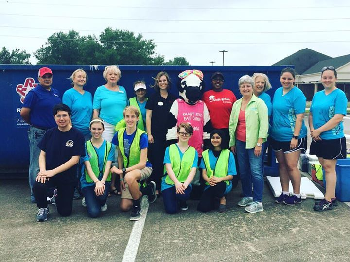 Chick-fil-A Katy Mills with Keep Katy Beautiful and its annual Trash Bash and Electronic Recycling Event! We live in such a great community!